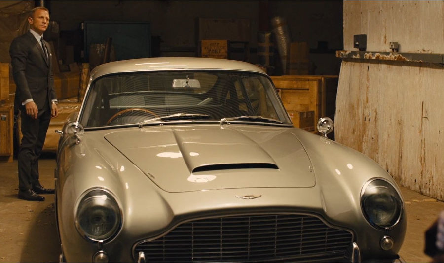 Car James Bond Drives In Skyfall