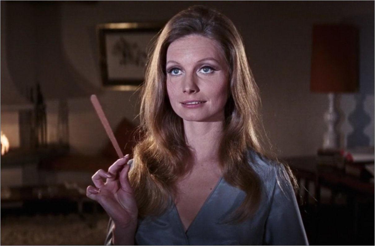 Seznam vseh deklet James Bond Part 2-6418