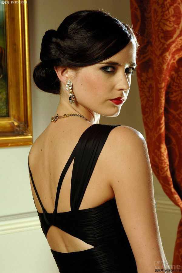 top 10 james bond girls part 2. Black Bedroom Furniture Sets. Home Design Ideas