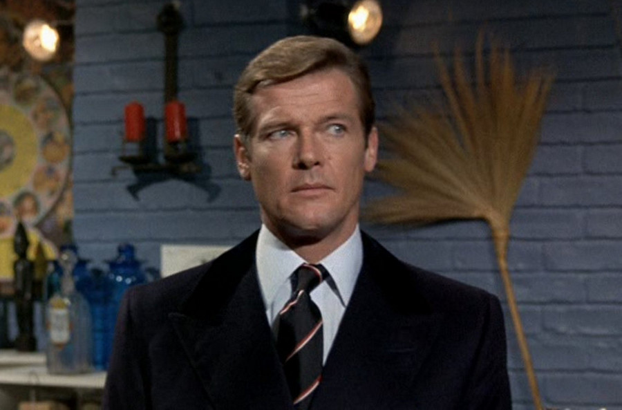 james bond roger moore - photo #14